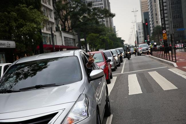 Gestão Doria libera transporte por  aplicativo em carros com até 8 anos