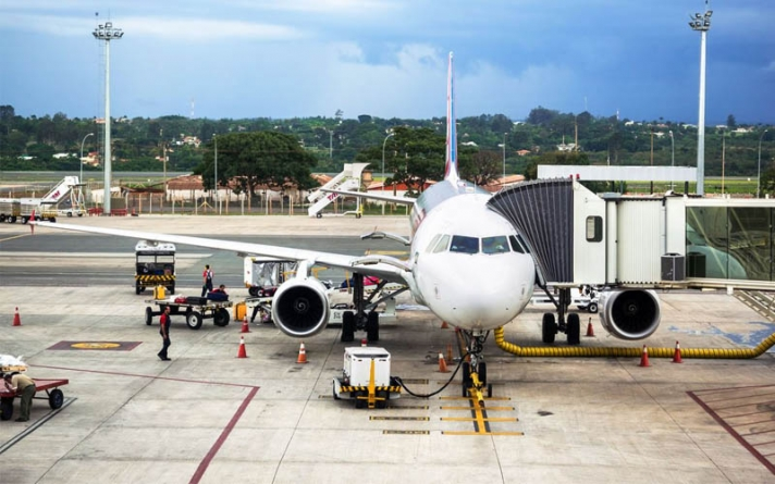 Combustível só dura até o fim desta manhã no aeroporto de Brasília