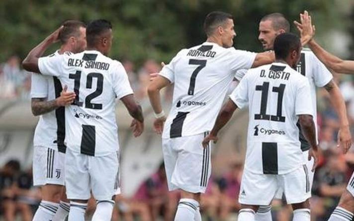Com gol logo no início, Cristiano Ronaldo estreia pela Juventus em amistoso