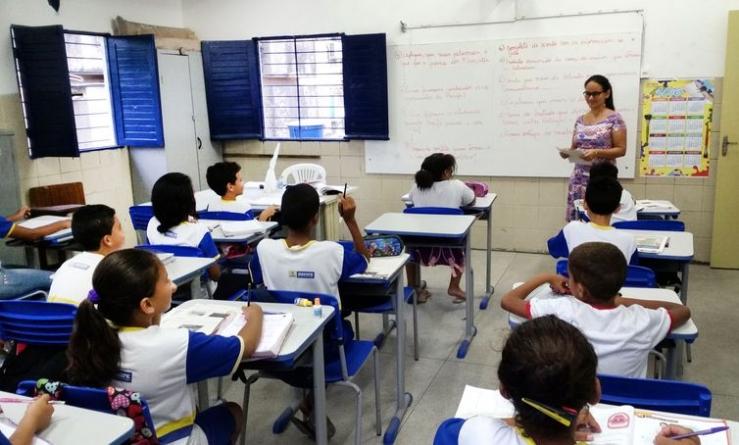 País tem mais de 2,5 milhões de professores, apontam os censos