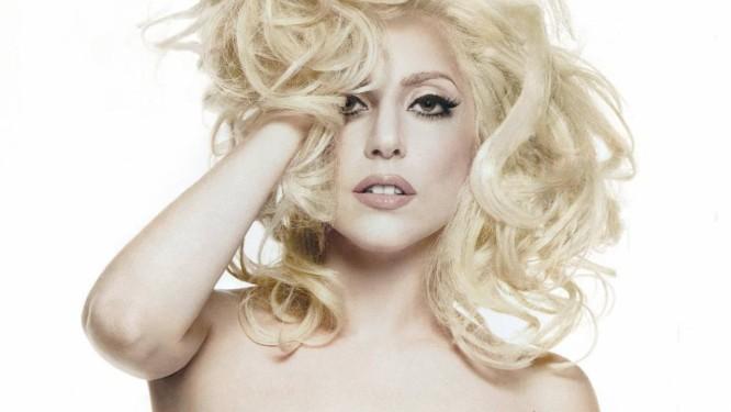 Lady Gaga afirma que não trabalhará mais com R. Kelly