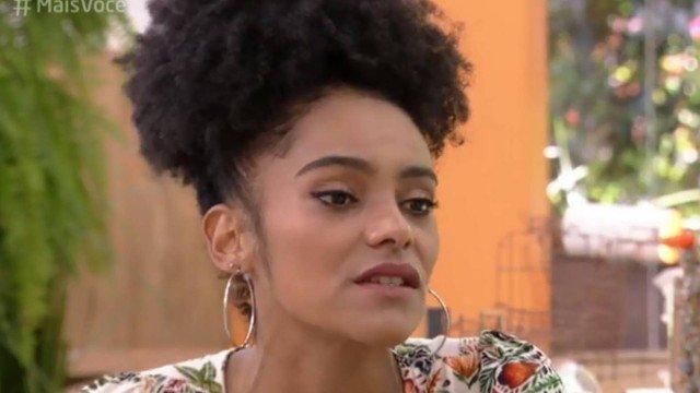 'BBB 19': Gabriela reclama de intolerância religiosa na casa