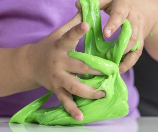 Produção de slime conquista crianças. Mas há riscos?
