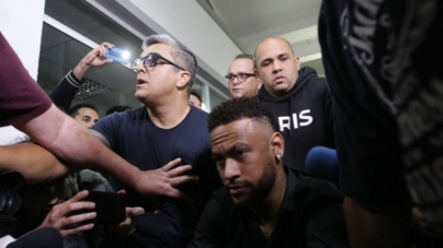 Polícia ouve ginecologista que atendeu Najila após suposto estupro de Neymar