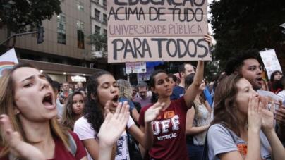 Brasil tem baixa taxa de escolarização superior