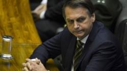 Bolsonaro sofre pressão para vetar lei de abuso