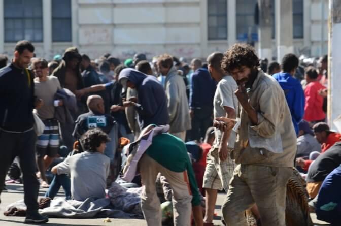 Mesmo após obra, Praça Princesa Isabel reúne usuários de drogas