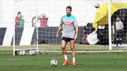 Cristiano Ronaldo quer mais Bolas de Ouro para ficar na frente de Messi: 'Mereço'