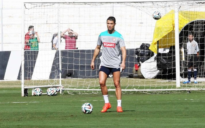 Cristiano Ronaldo critica valores de transferências no futebol: 'São surreais'
