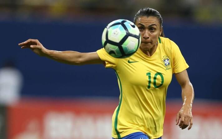 Lesionada, Marta é cortada da seleção e não jogará torneio amistoso em São Paulo